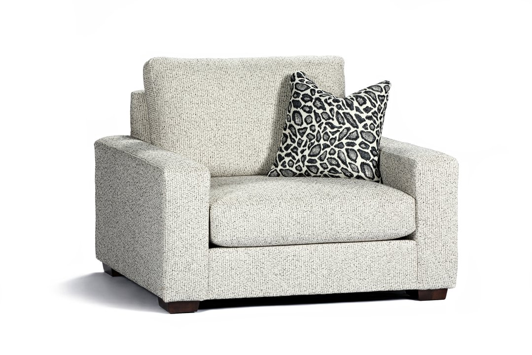 1918-08 Chair and half with pillow Miles.jpg